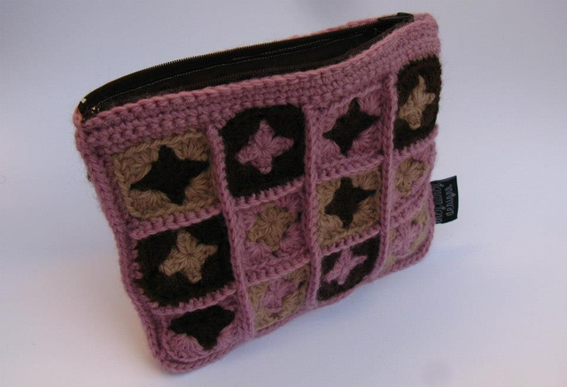 Granny Square Purse Rose/Chocolate