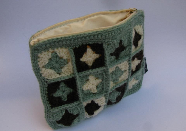 Granny Square Purse Chocolate/Sage/Cream